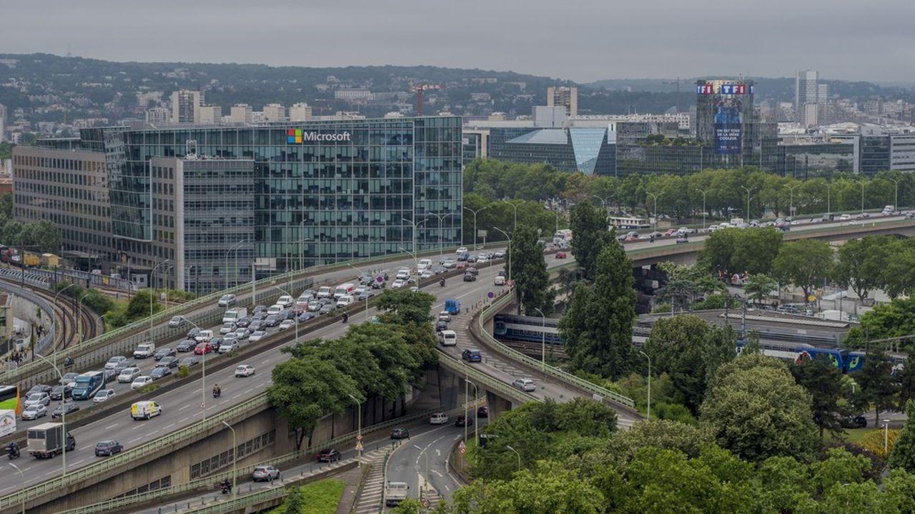 En 2017, les élus écologistes de Paris, lancent l'idée de transformer le périphérique en boulevard à l'horizon 2030.