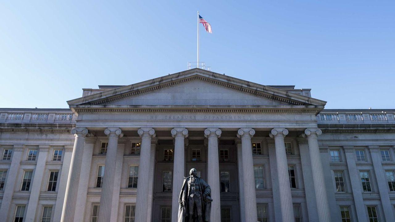 Selon le dernier rapport du Trésor américain, les intérêts de la dette américaine ne font qu'augmenter.