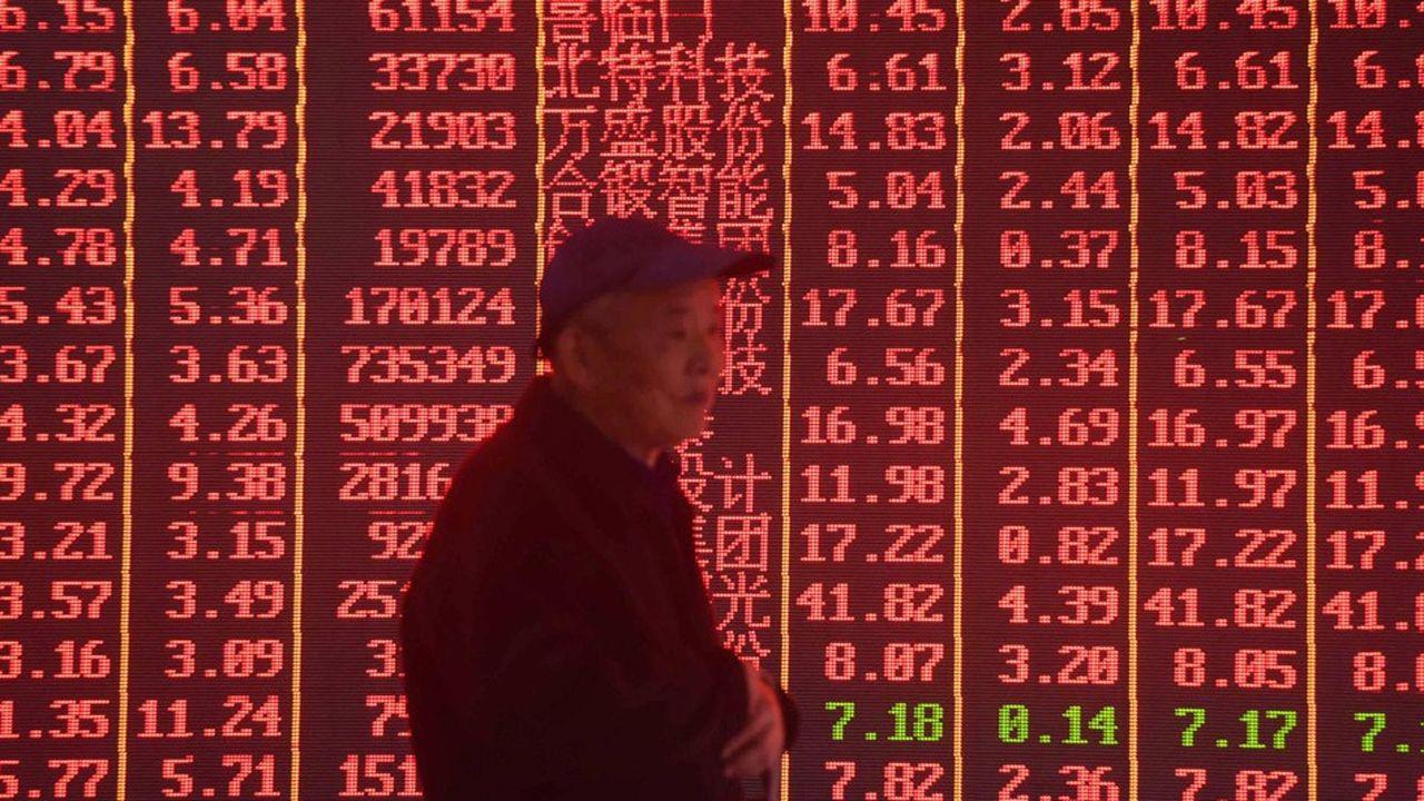 Les tarifs douaniers sur les biens chinois importés augmenteront à 25 % vendredi, dit Trump