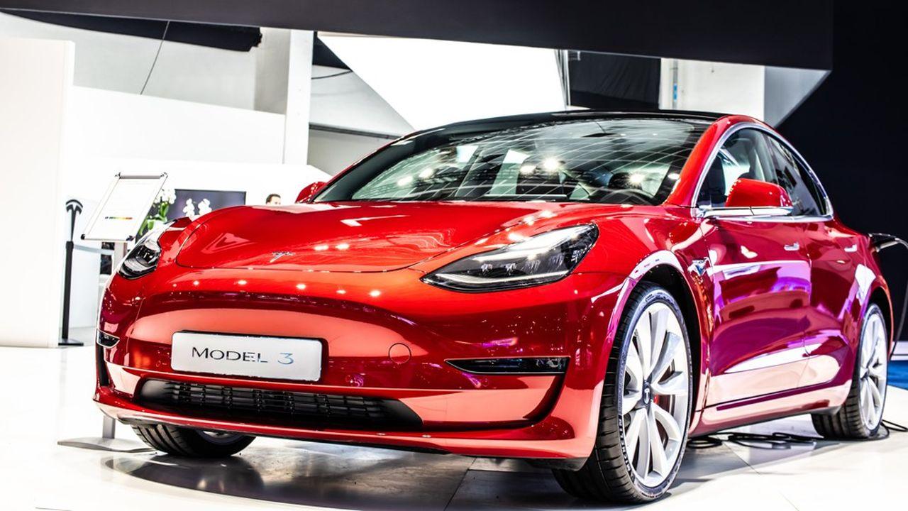 En commercialisant des voitures électriques, Tesla dispose de crédits C02 à vendre au plus offrant.