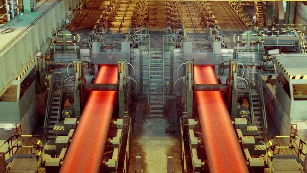 Dans les Asturies (Espagne), la production sera réduite: le sud de l'Europe a été touché par «une augmentation sans précédent des importations venant de l'extérieur de l'UE», explique ArcelorMittal