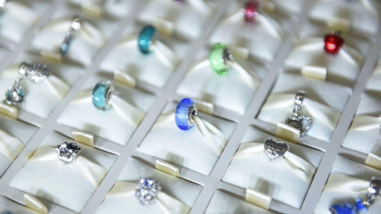 13.000 salariés du groupe sur 28.000 travaillent dans des ateliers de fabrication de bijoux en Thaïlande