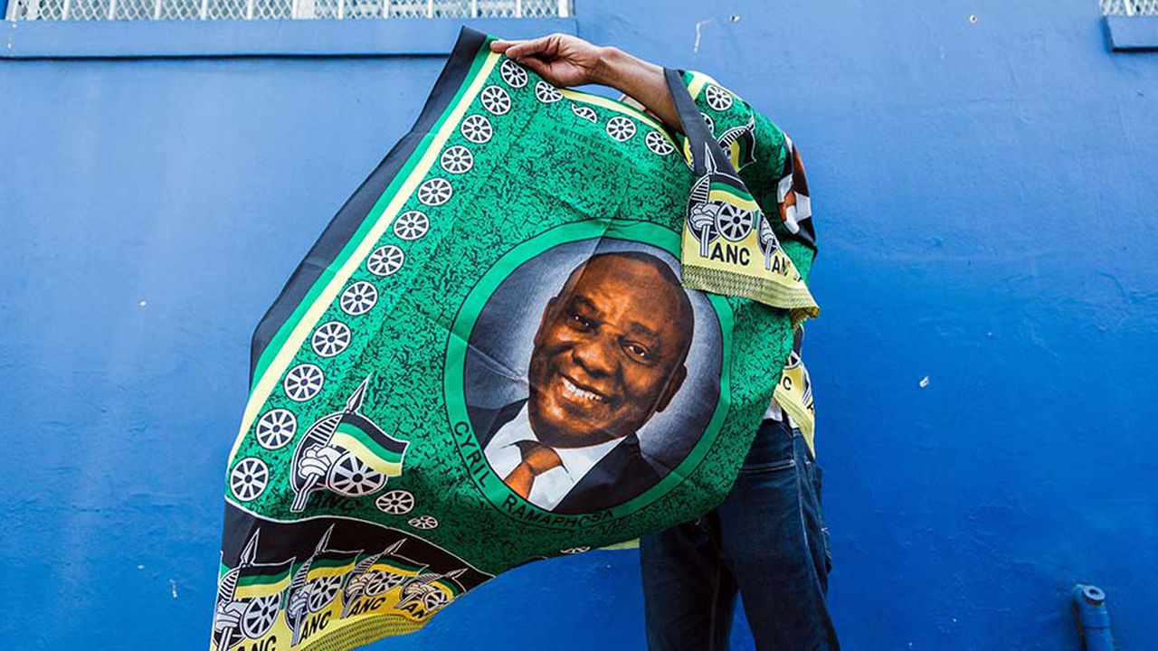 Un tissu à l'effigie du président Ramaphosa.