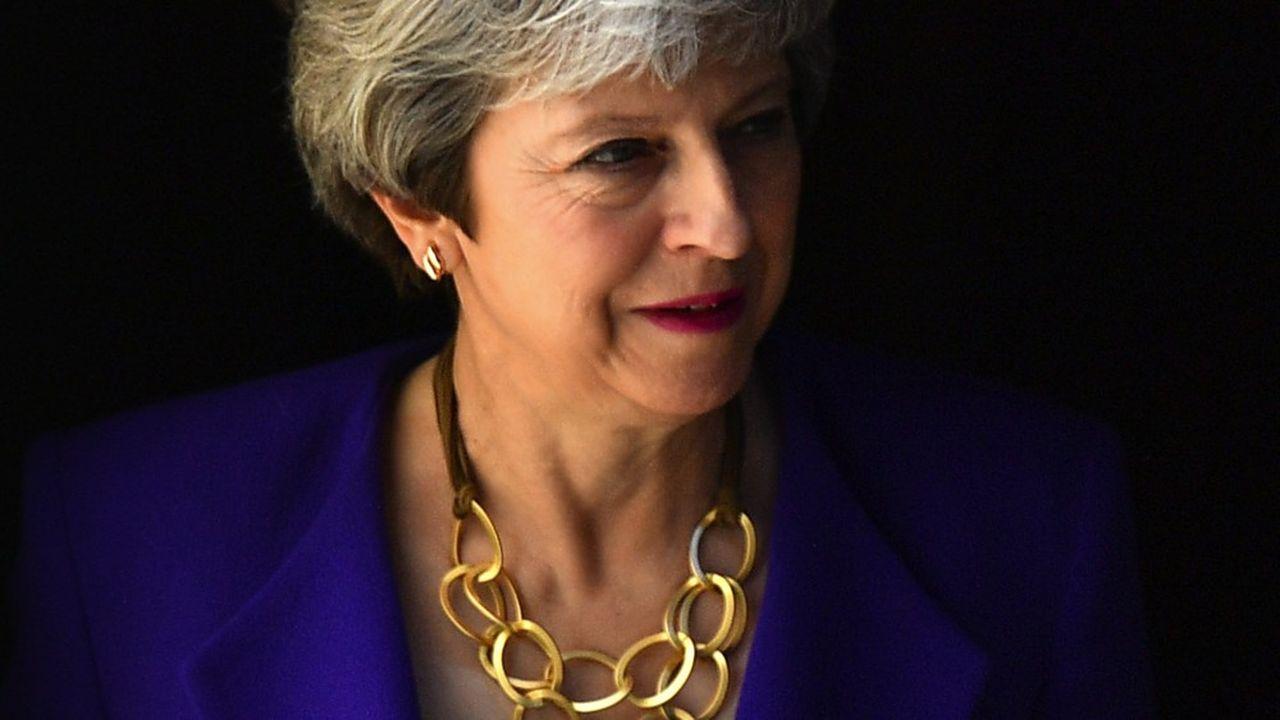La Première ministre Theresa May a certes fait un geste en acceptant, comme le préconisait le Labour, de laisser le Royaume-Uni dans une Union douanière avec l'UE pour minimiser les dégâts collatéraux du Brexit sur l'économie britannique. Mais seulement jusqu'aux élections législatives de 2022.