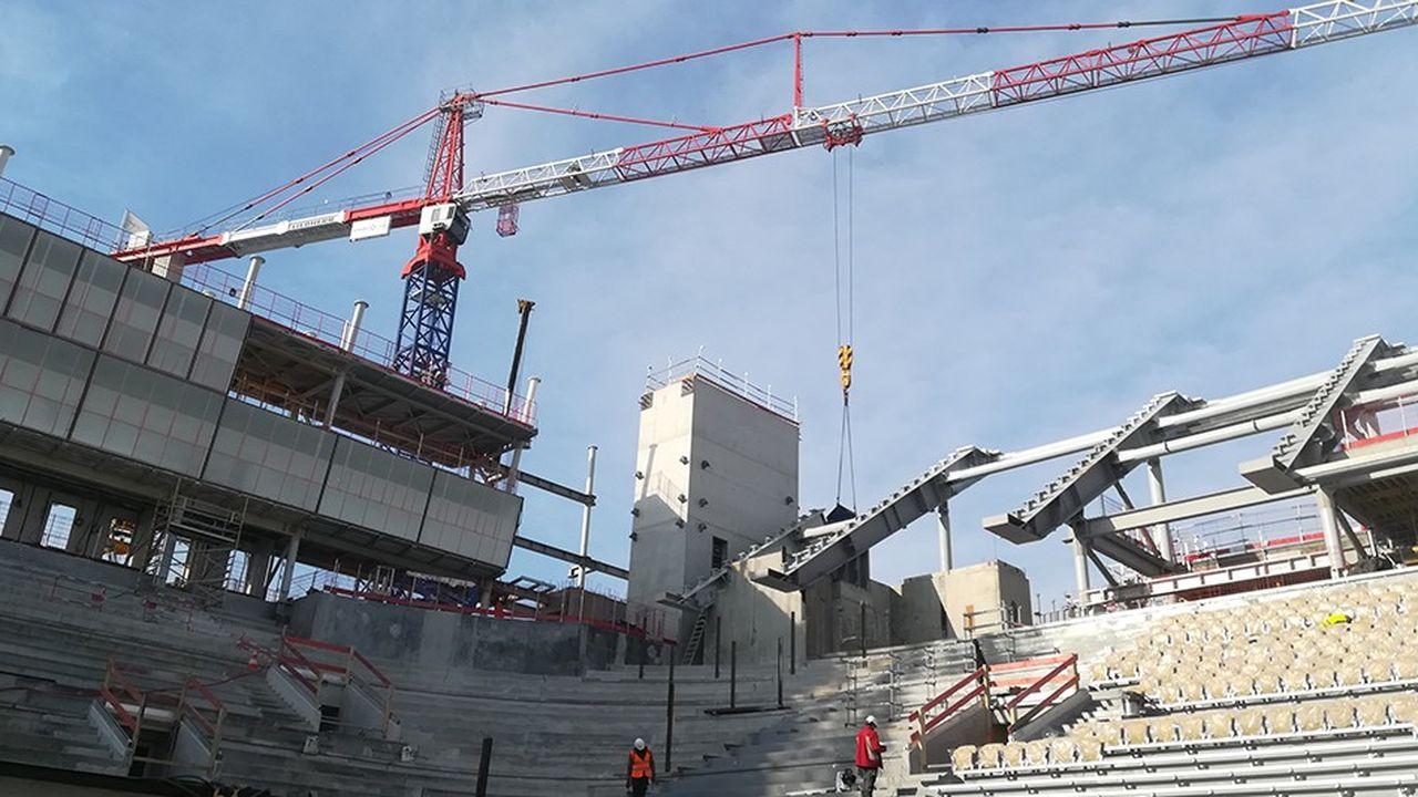 La réfection totale du court Philippe-Chatrier est évaluée à elle seule à 150millions d'euros.
