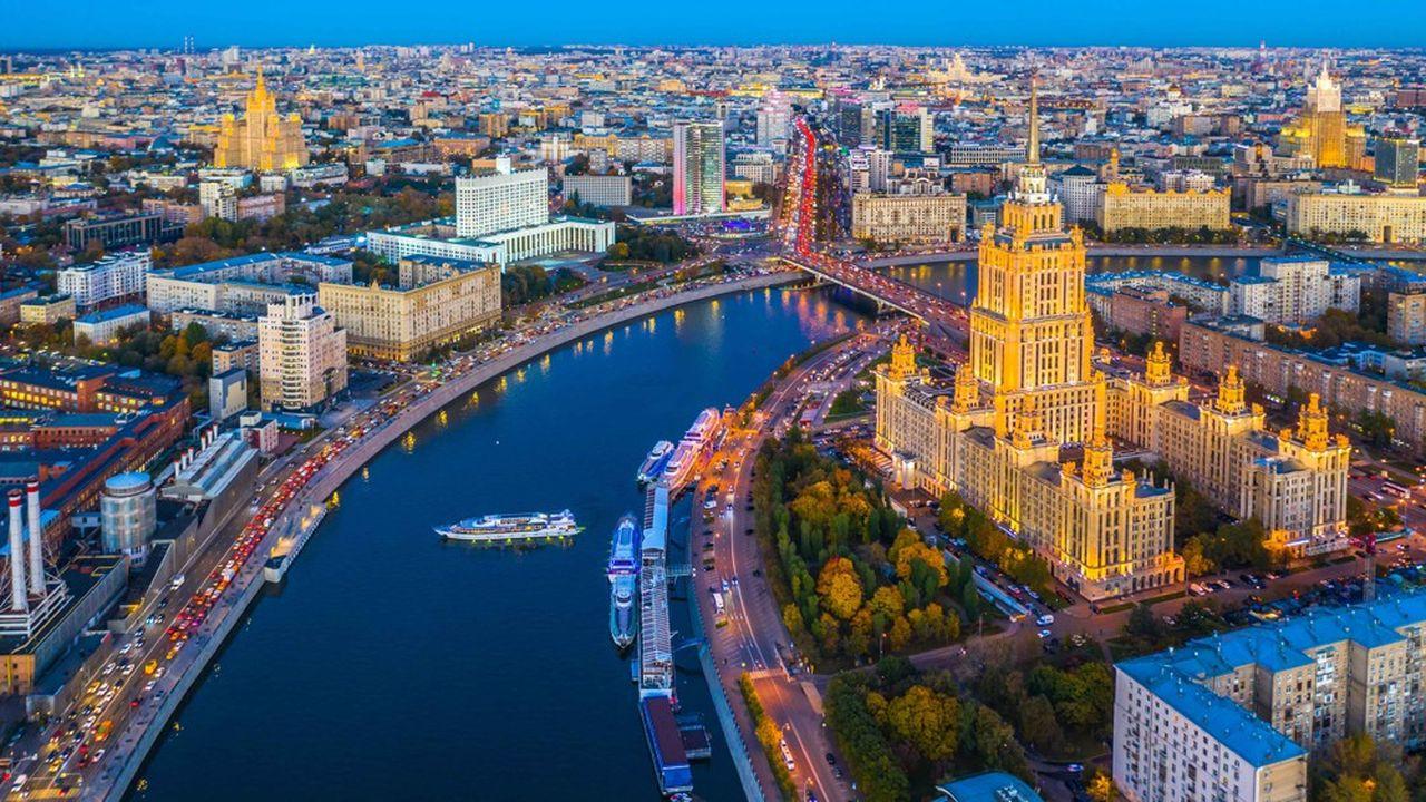 Moscou accélère ses levées de dettealors que l'hypothèse de nouvelles sanctions américaines se précise.