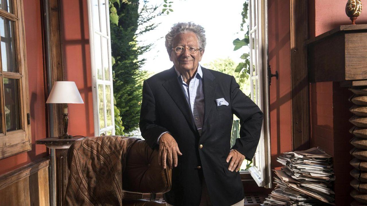 Dominique Moïsi, géopoliticien et économiste, photographié dans sa résidence de Saint-Gilles dans la Manche.