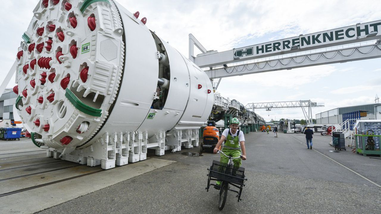 L'allemand Herrenknecht, qui livre entre 50 et 70 tunneliers de gros diamètre par an, est le seul fabricant européen et le troisième acteur mondial, loin derrière les deux géants publics chinois.