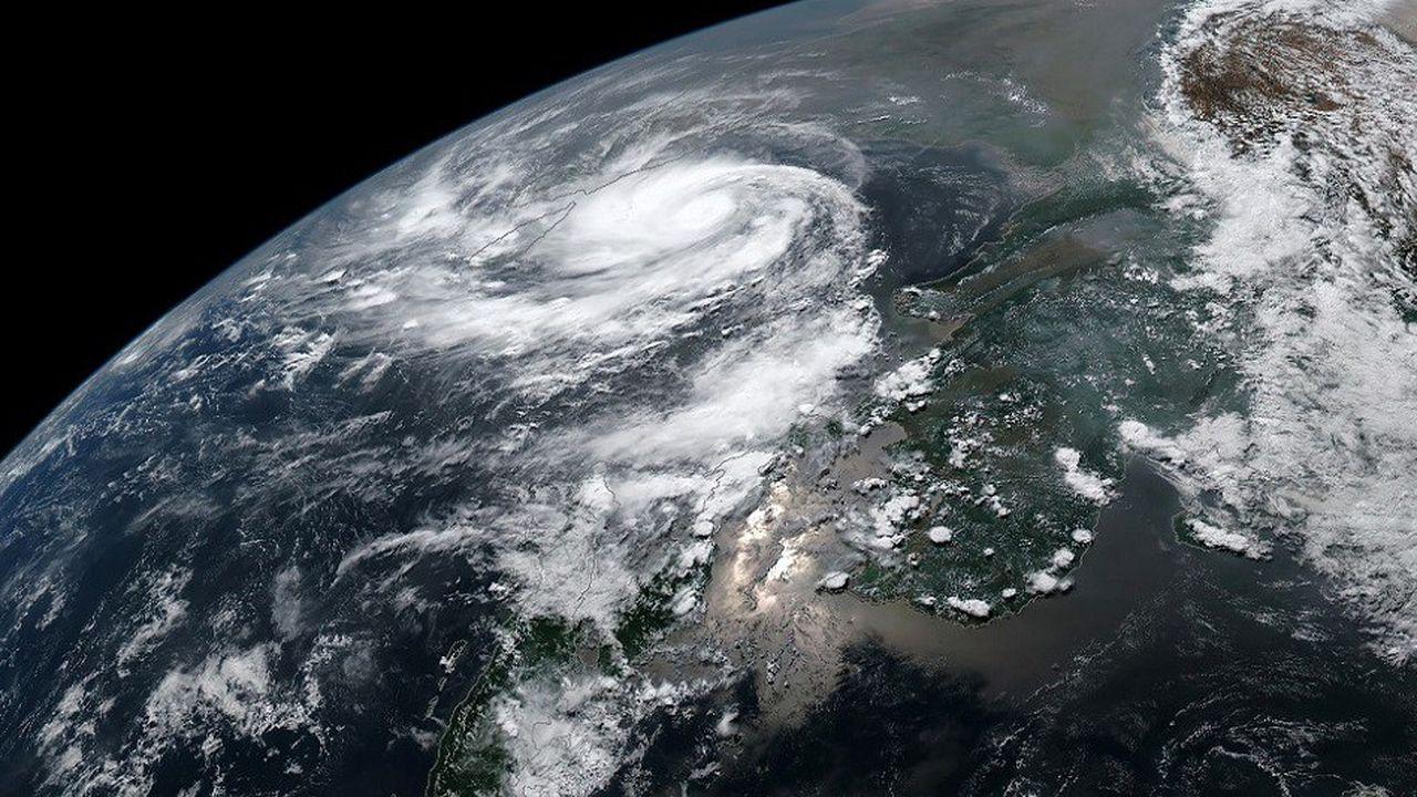 Les satellites utilisent des fréquences bien déterminées pour analyser l'humidité, les précipitations et les températures