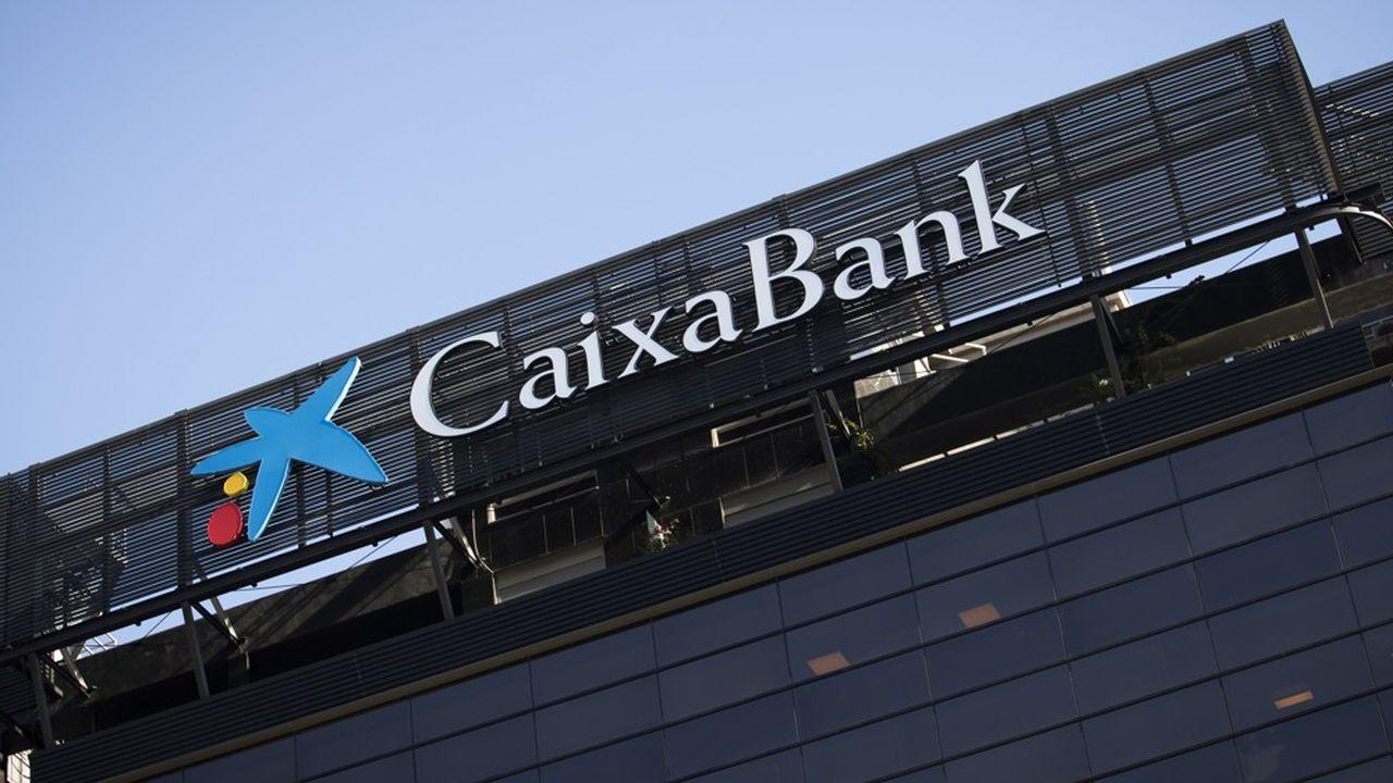 Caixabank a négocié avec les syndicats la sortie de 2.023 salariés et dépensera une moyenne de 440.000euros par départ.