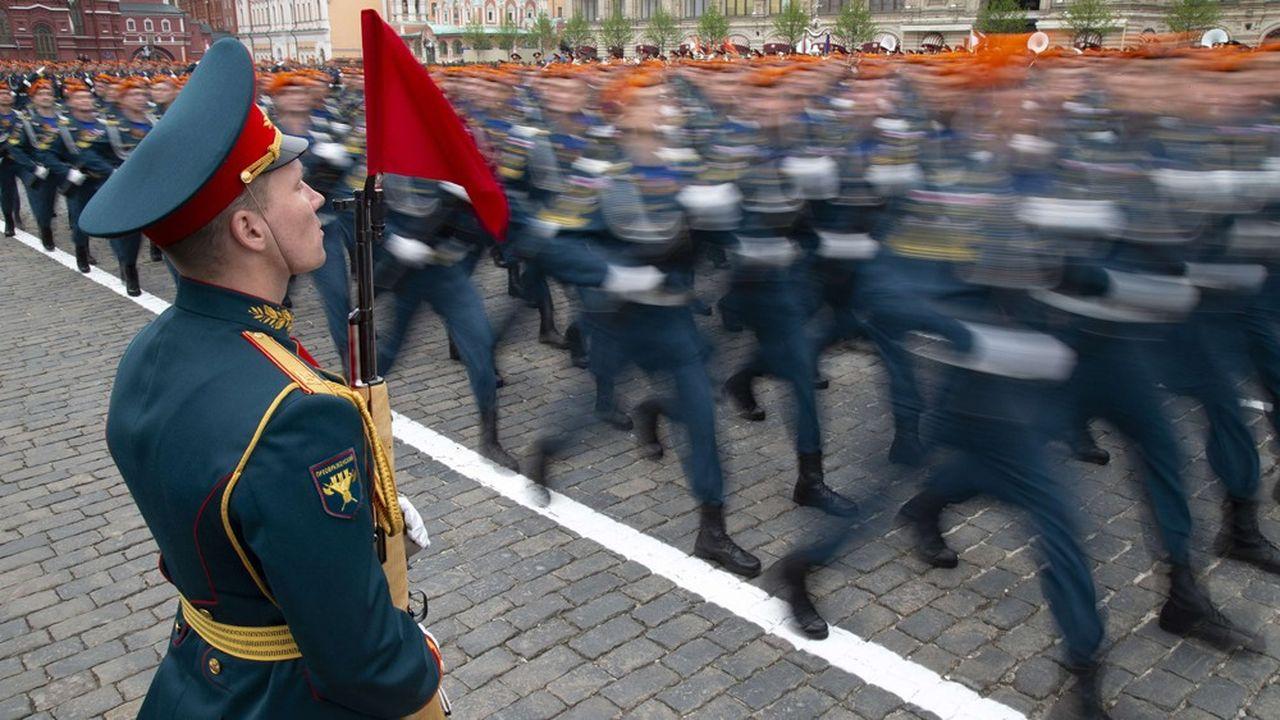 Le traditionnel défilé de l'armée russe sur la place Rouge à Moscou pour le 74eanniversaire de la victoire de la Russie sur l'Allemagne nazie, le 9mai, est toujours aussi spectaculaire.