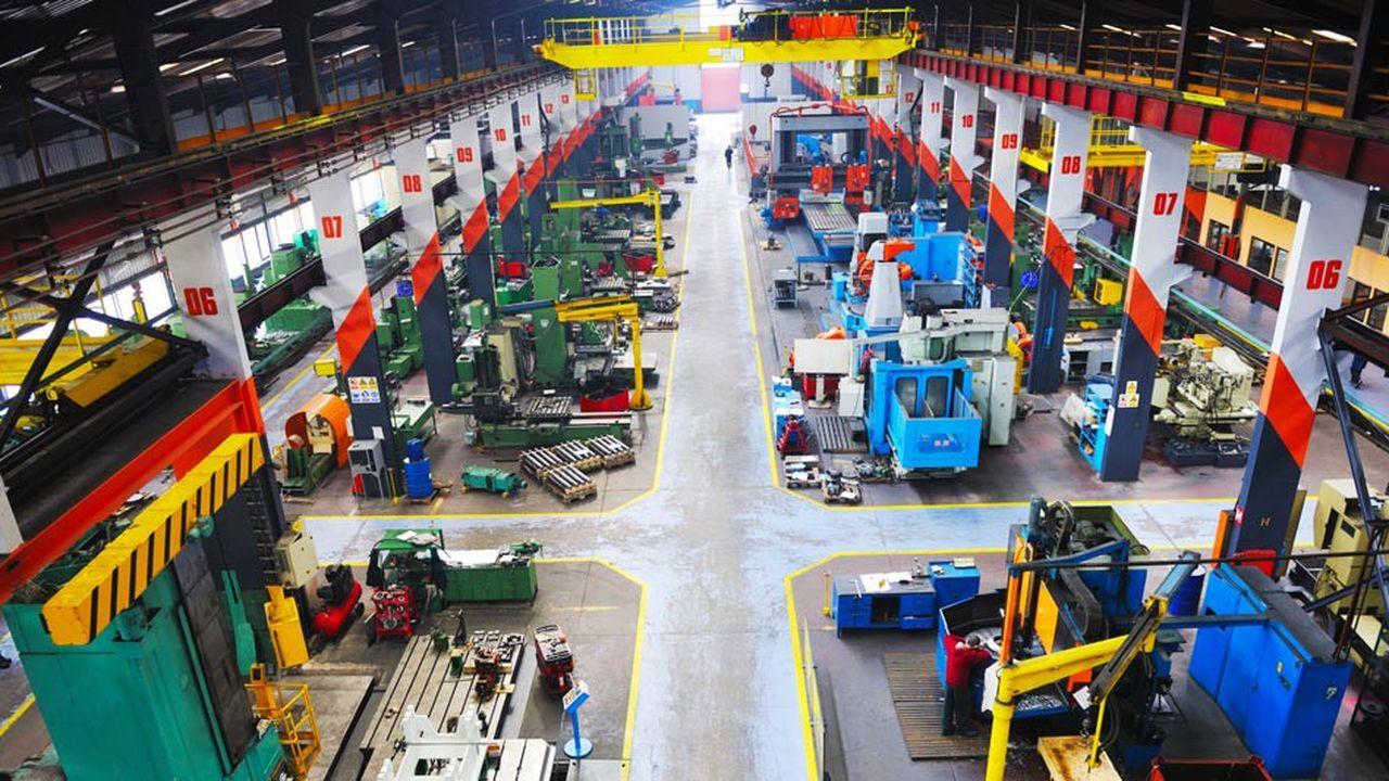 En mars, l'activité a légèrement baissé dans l'industrie et le bâtiment