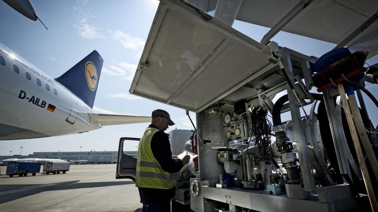 Malgré ses efforts, le transport aérien représente 3,2% des émissions de gaz à effet de serre des 28 (bientôt 27) pays de l'Union européenne, et 13,4% des émissions liées aux transports