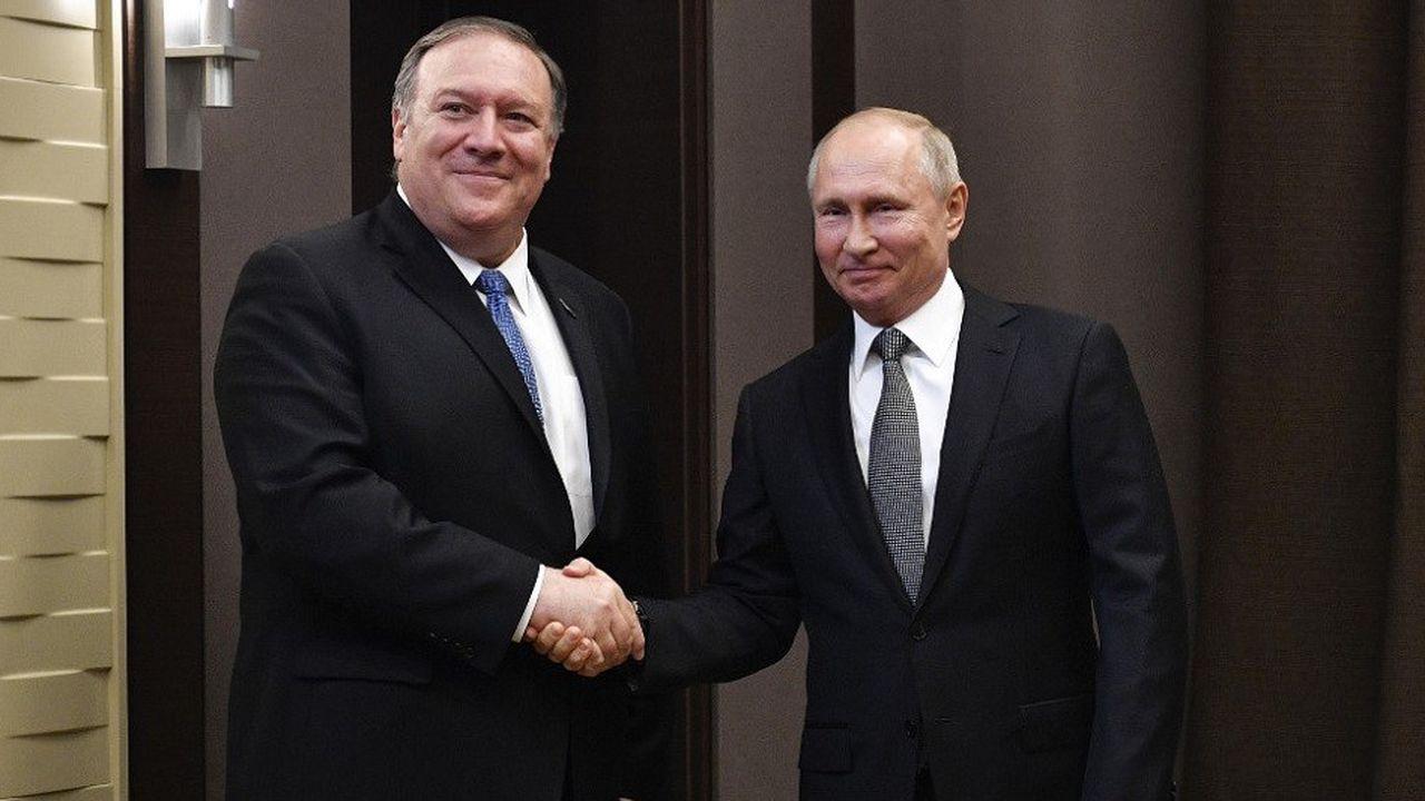 Le secrétaire d'Etat américain Mike Pompeo et le président russe Vladimir Poutine à Moscou, le 14mai 2019.