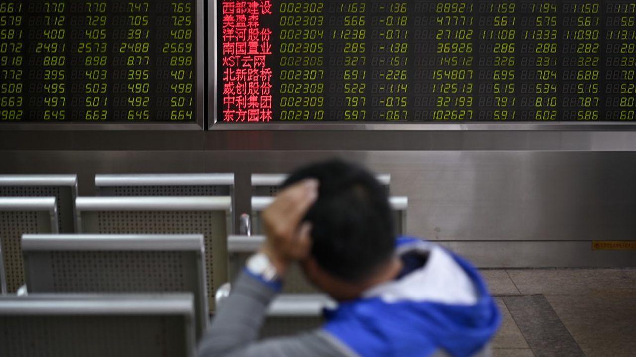 Ces chiffres risquent de rallumer le débat sur la nécessité pour le gouvernement chinois de mettre en place davantage de mesures de relance budgétaire et monétaire.