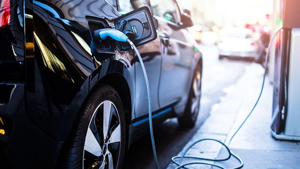 Pour le seul secteur des entreprises en France, les véhicules électriques enregistrent une progression de 35 %.