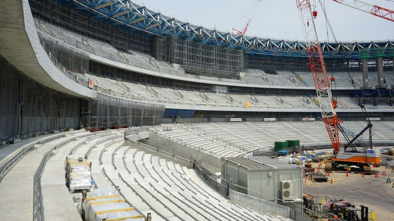 Les travaux de construction du nouveau stade national pour les JO 2020 de Tokyo se poursuivent dans les délais annoncés.