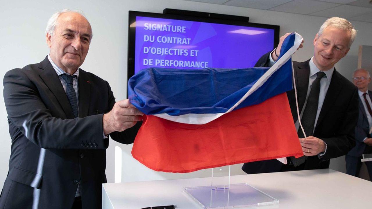 Bruno Le Maire Ministre de l'Economie et des Finances et Pierre Goguet Pdt de la CCI France signent le Contrat d'Objectifs et de Performance.