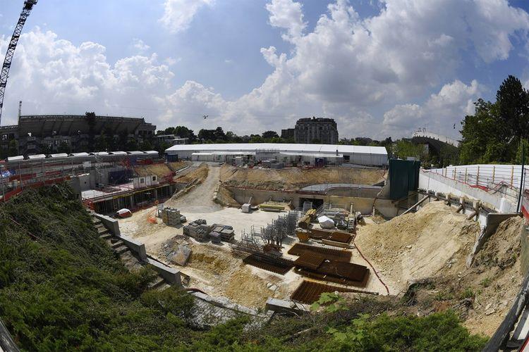 Les travaux d'agrandissement et de modernisation du stade de la Porte d'Auteuil ont pu commencer fin 2015. Ici le chantier en mai2016.