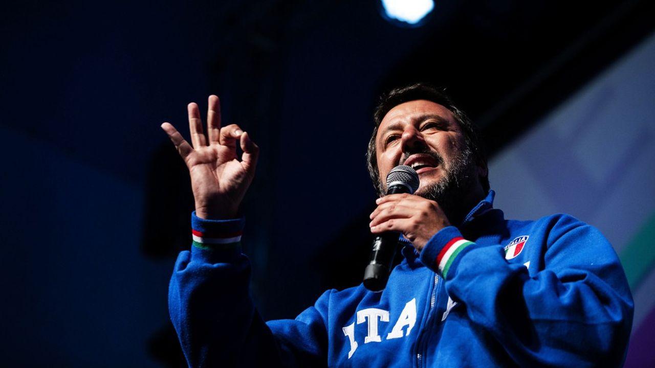 Matteo Salvini a réuni sur la place du Duomo à Milan samedi les représentants d'une dizaine de partis nationalistes européens.
