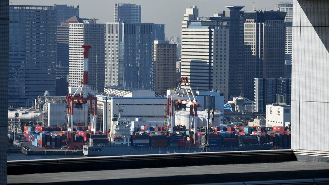 Le cabinet du Premier ministre Shinzo Abe a indiqué que la croissance, en glissement trimestriel, avait atteint 0,5%, soit 2,1% en rythme annualisé