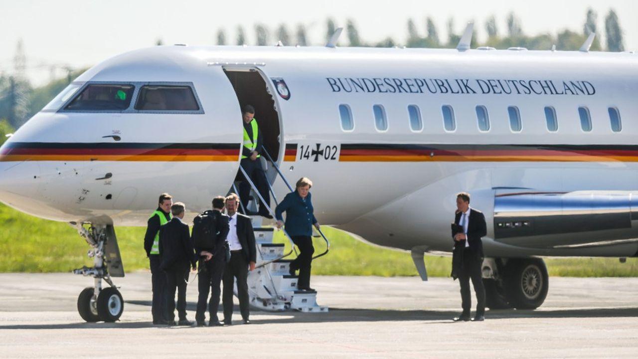 Ce Bombardier Global 5000 utilisé par Angela Merkel a été percuté lundi 13mai par une fourgonnette Renault Trafic dans l'aéroport de Dortmund.
