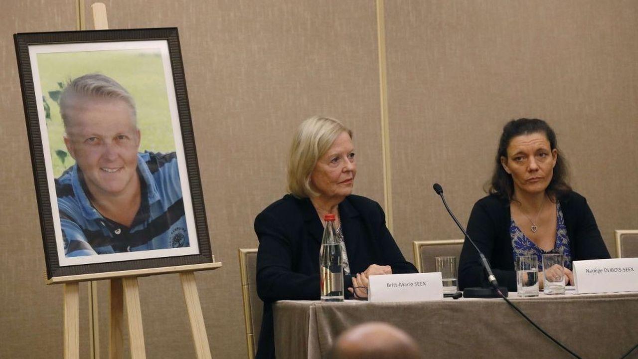 Britt-Marie Seex (à gauche), mère de Jonathan Seex, et la veuve du défunt, Nadège Dubois-Seex, poursuivent Boeing justice après le crash d'Ethiopian Airlines.