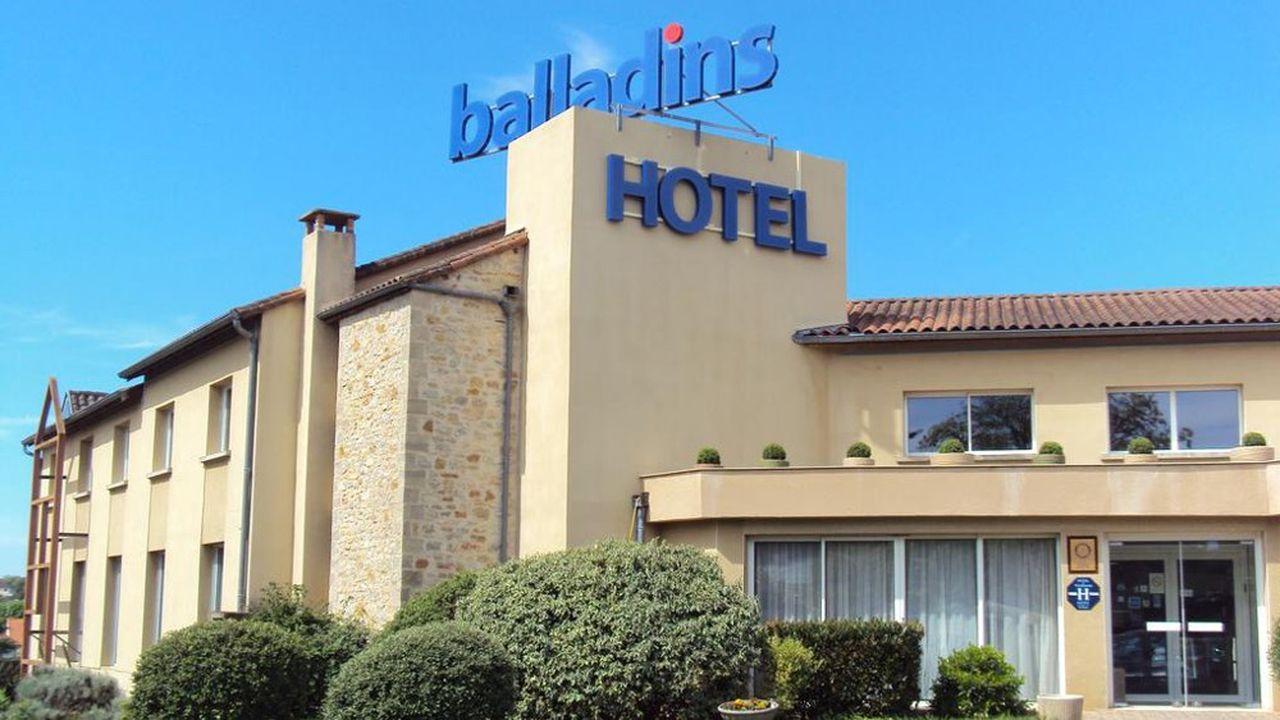 80% du parc actuel de 35 hôtels Balladins vont passer sous la signature« Initial » by Balladins, correspondant à l'offre d'hôtellerie économique à l'origine de la marque.