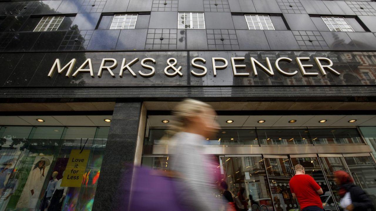 Marks & Spencer (ici son flagship d'Oxford Street à Londres) souffre particulièrement de la dépression du marché de l'habillement. Dans ce secteur, le chiffre d'affaires a baissé de 3,6%. L'alimentaire se tient mieux (-0,6%).