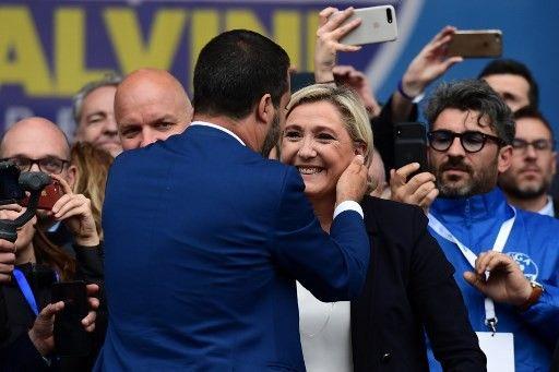 Selon le député de la Ligue Edoardo Ziello, « les liens d'amitié de Salvini et Le Pen sont forts et anciens » et « Marine Le Pen est l'alliée fondamentale et historique ».