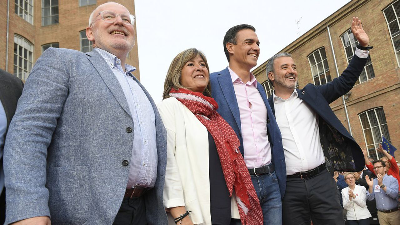 Les travaillistes néerlandais (PvdA) emmené par Frans Timmermans (à gauche) sont arrivés en tête du scrutin avec 18,1% des suffrages selon les estimations, et devraient donc remporter cinq des 26 sièges alloués aux Pays-Bas.