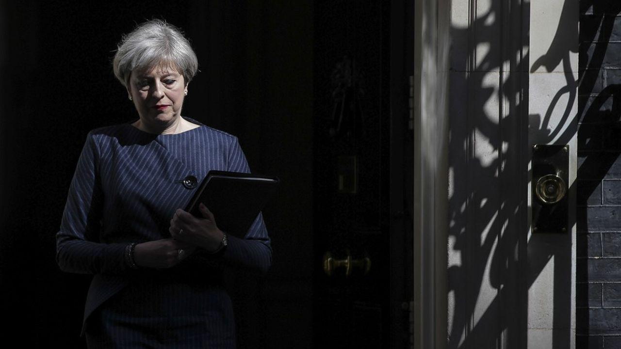 La chef du gouvernement britannique, Theresa May, va quitter la résidence officielle des Premiers ministres britanniques, 10 Downing Street.