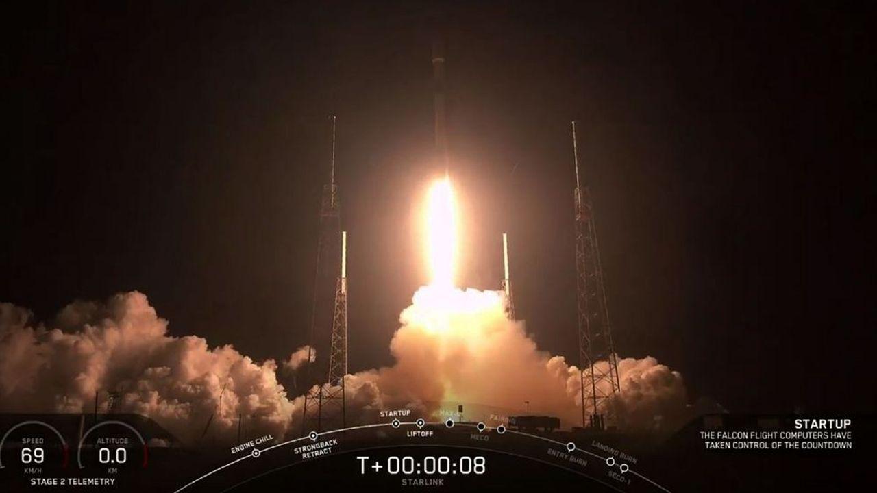 Une fusée Falcon 9a décollé sans incident de Cap Canaveral en Floride à 02h30 GMT pour placer en orbite basse60 minisatellites.