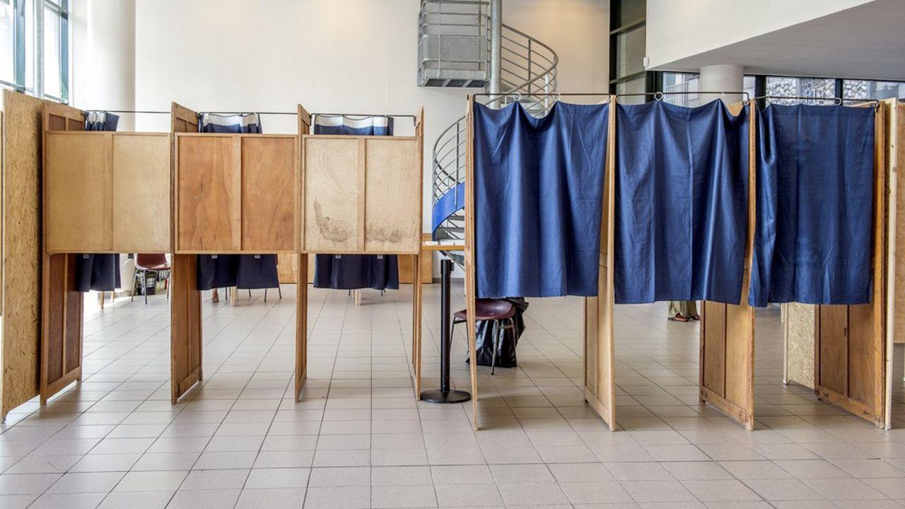 En France, l'abstention est attendue aux alentours de 60% dimanche.