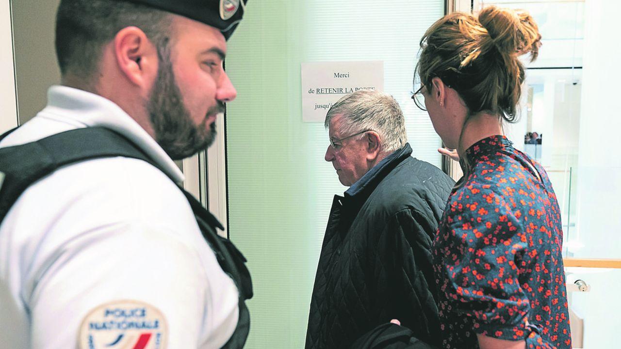 L'ex-patron de Fance Télécom Didier Lombard, à son arrivée au tribunal de grande instance de Paris.