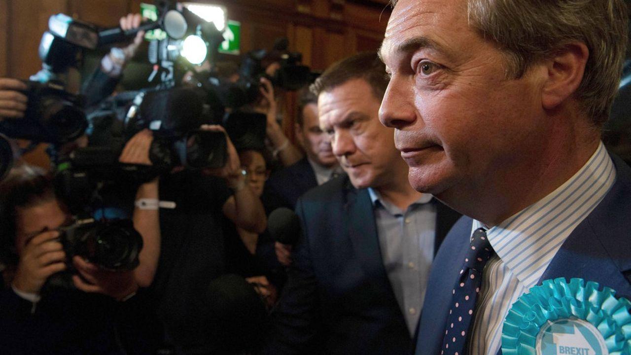 Avec plus de 31% des voix selon des résultats partiels (hors Irlande du Nord et Ecosse), le parti de Nigel Farage recueille 10 points de plus que Ukip, son précédent parti, lors des européennes de 2014.