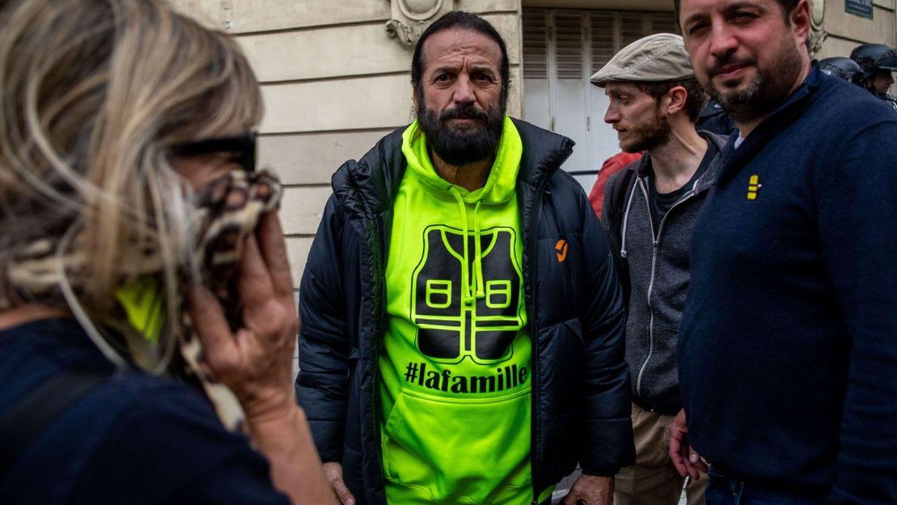 La liste Alliance jaune menée par le chanteur Francis Lalanne (au centre) a remporté 122.573 voix (0,5%), tandis qu'Evolution citoyenne, conduite par Christophe Chalençon, l'une des figures des «gilets jaunes», n'en a obtenu que 2.120 (0,01%)