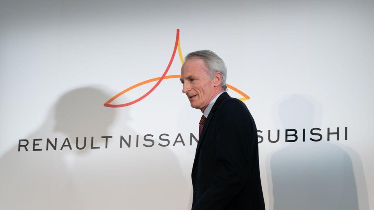 Même s'il ne le dit pas publiquement, Jean-Dominique Senard espère sans doute convaincre son allié Nissan de rejoindre ensuite le nouveau groupe sur une base plus égalitaire, afin de constituer un vrai géant de l'automobile, qui vendrait plus de 15millions de véhicules chaque année.