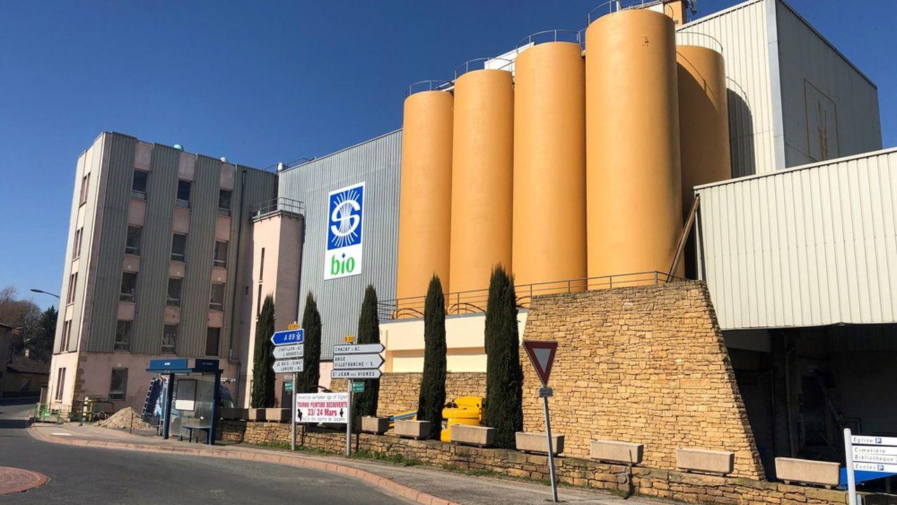 La filiale céréalière bio de soufflet a signé des contrats pluriannuels de 3 à 5 ans avec une centaine d'agriculteurs bio ou en conversion, et espère arriver rapidement à 200 pour sécuriser 20.000 tonnes de blé.
