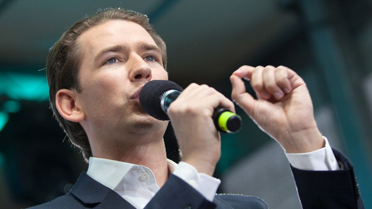 Renforcé par les élections européennes, le chancelier autrichien, Sebastian Kurz, va devoir quitter son poste suite à une motion de censurevotée par l'extrême droite et les sociaux-démocrates.