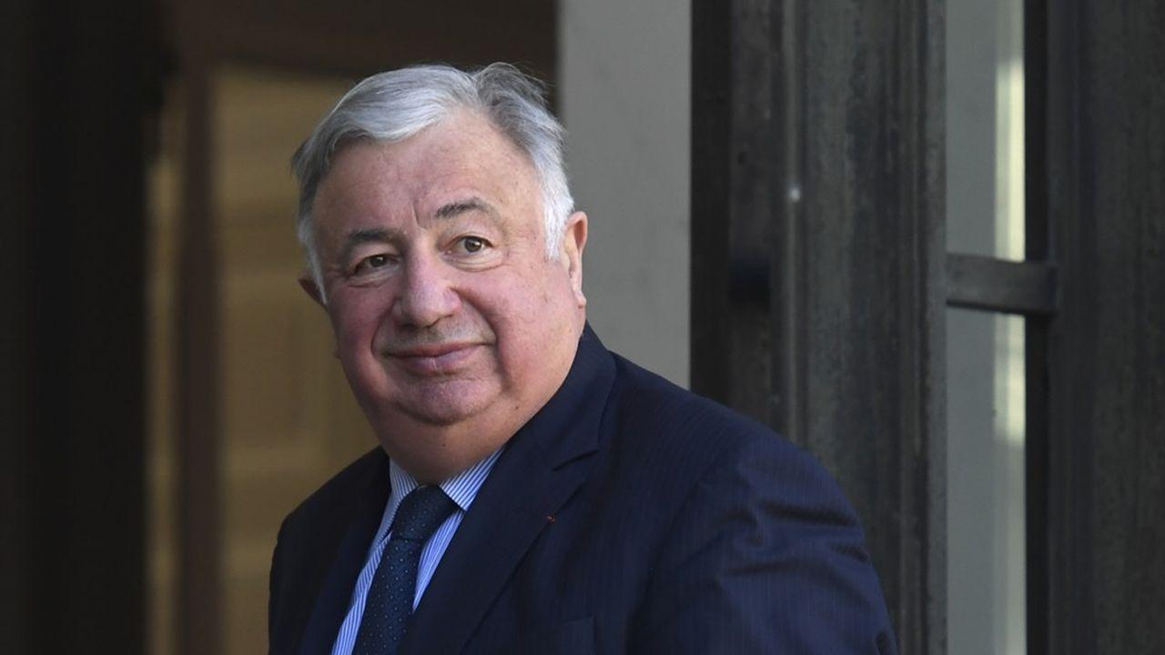 Plusieurs ténors conservateurs, comme Valérie Pécresse et Bruno Retailleau, souhaitent que Gérard Larcher joue le rôle de «trait d'union» entre les diverses chapelles de la droite et du centre.