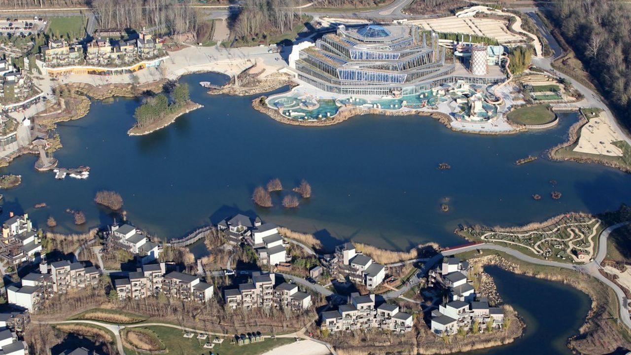 Dernier projet phare de Groupe Pierre & Vacances-Center Parcs, le complexe Villages Nature, situé près de Disneyland Paris et ouvert en août2017, s'étoffe. Le domaine va être doté de 580cottages supplémentaires d'ici à 2023. Une illustration du dynamisme de la société en matière d'immobilier.