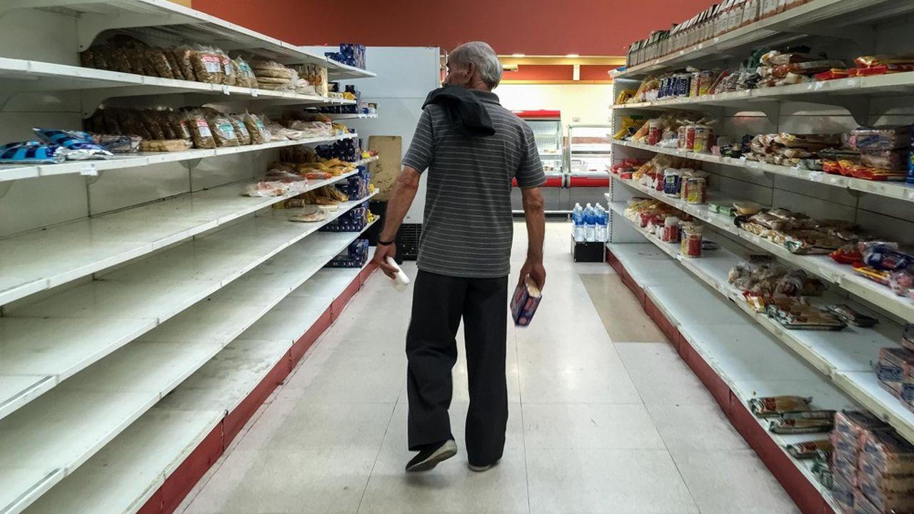 Depuis plusieurs années, la population fait face à d'importantes pénuries de produits de première nécessité.