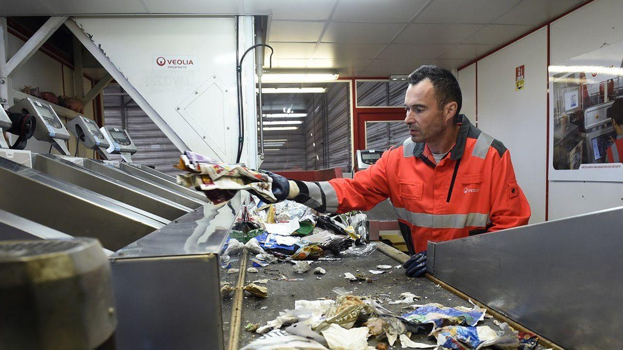 Le non-recyclable devrait se réduire, car l'éco-conception pourra être imposée par voie réglementaire. Un système de bonus-malus sur l'éco-contribution y incitera aussi les producteurs en faisant varier jusqu'à 20% le prix de vente du produit.