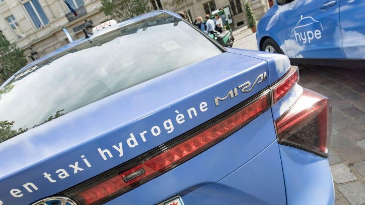 Avec en moyenne 650km d'autonomie et une charge en 5 minutes, la voiture à hydrogène se situe en bonne position sur le marché des véhicules décarbonnés.