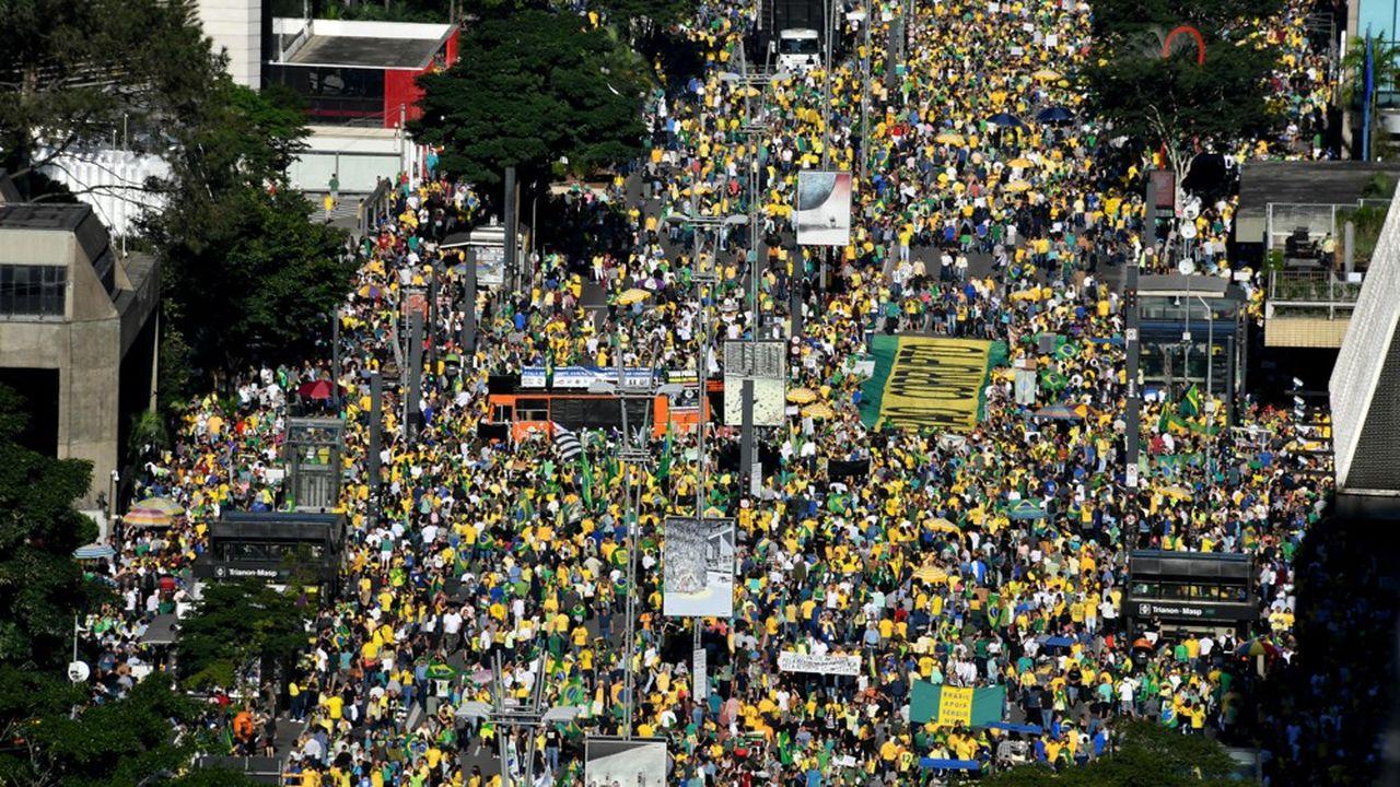 Les partisans du président Bolsonaro se sont mobilisés (comme ici le 26mai) pour apporter leur soutien au chef de l'Etat en butte à une opposition de plus en plus forte.