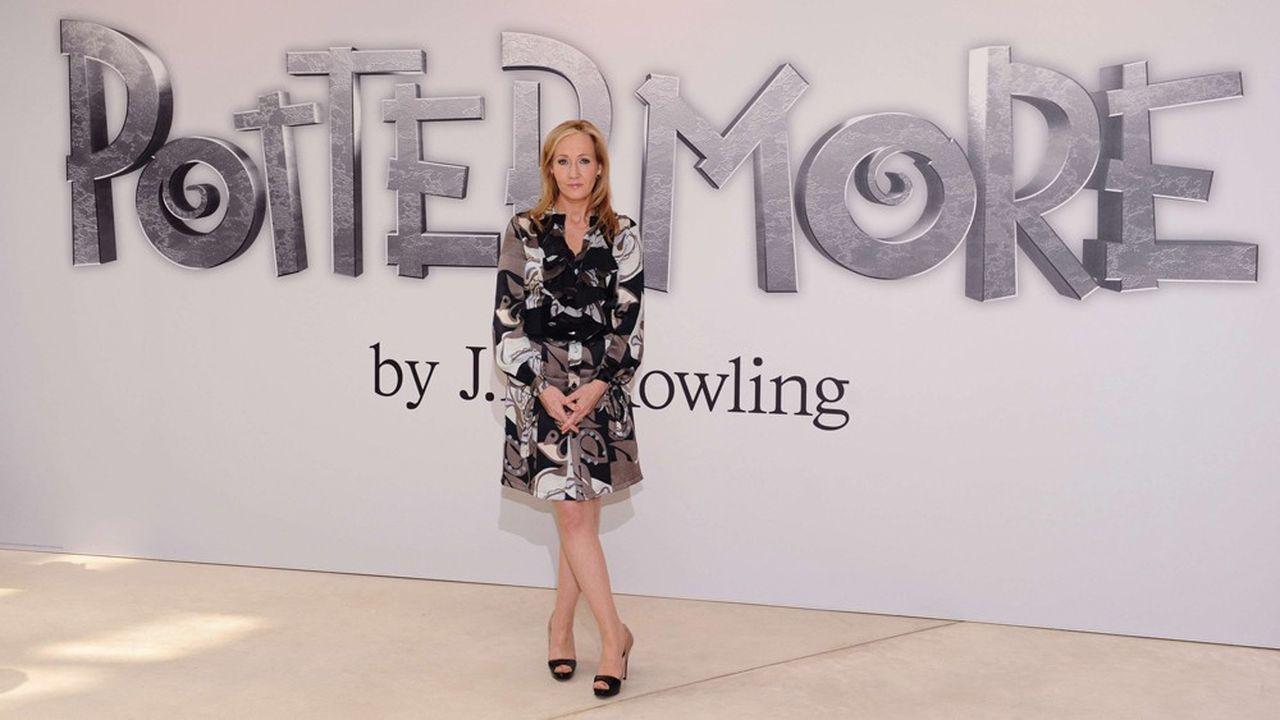 Les septtomes Harry Potter se sont écoulés à environ 450millions d'exemplaires dans le monde entier.