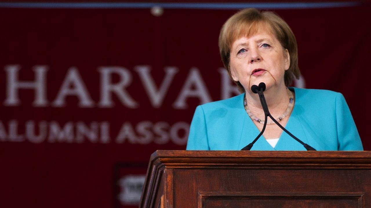 Angela Merkel a appelé à «démolir les murs», une référence à peine voilée au slogan «construire le mur» de Donald Trump.
