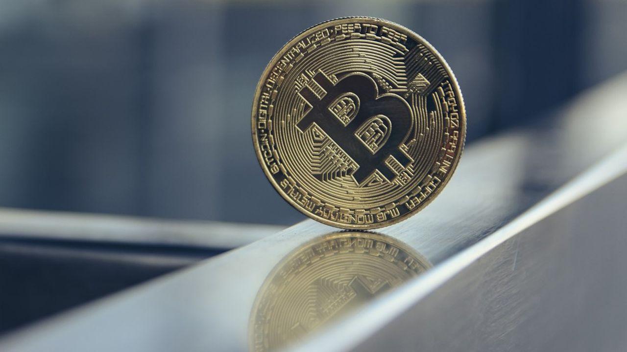 Le cours du bitcoin a franchi les 9.000,00dollars avant de connaître un nouveau trou d'air