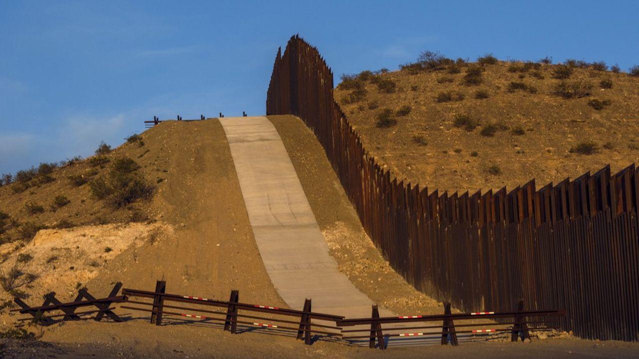 Les surtaxes annoncées par Trump jeudi soir sont censées contraindre le Mexique à contenir le flux d'immigration qui arrive par la frontière sud, alors que le président américain n'est pas parvenu à construire son mur.